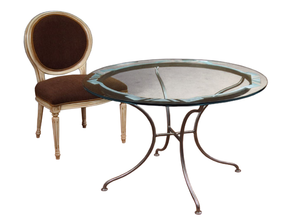 100024 – DINING TABLE