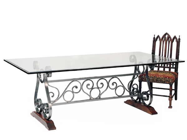 100047 DRA TRESTLE – DINING TABLE