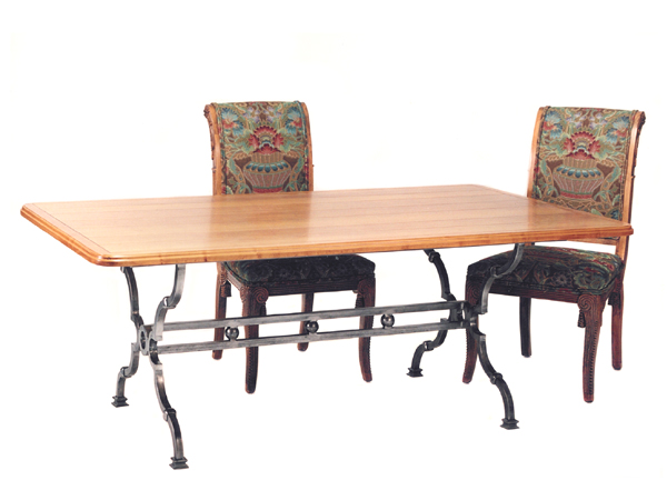 100048 DRA TRESTLE- DINING TABLE