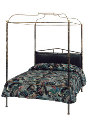 843 – METAL BED